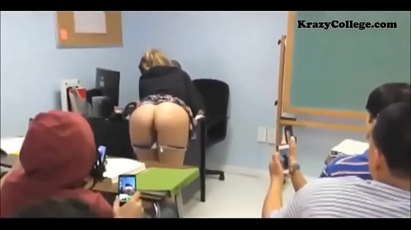 Butthole flashing in school